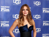Jennifer Lawrence Dons a Chic Look to Take Home an Outstanding Honor