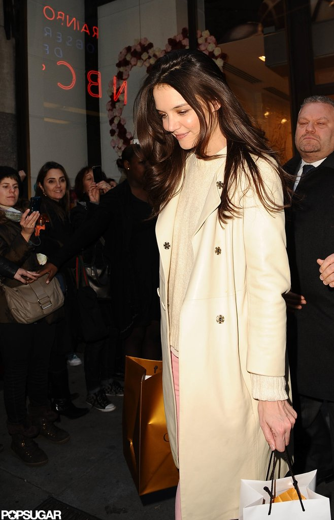 Katie Holmes Preps For Valentine's Day With Her Mom