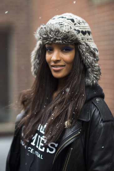 A periwinkle cat eye was the perfect accent to model Jourdan Dunn's casual look. Source: Le 21ème | Adam Katz Sinding