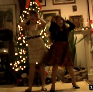 Girls Give Their Dad The Best Present (VIDEO)