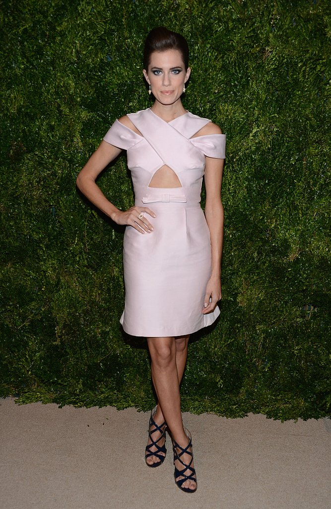 Allison struck a pose in a pastel-pink Peter Som dress at the CFDA/Vogue Fashion Fund Awards in NYC. The sheath's feminine hue complemented its sexy cutouts in a perfectly contrasted way. Strappy Alejandro Ingelmo sandals and smoldering eye shadow rounded up her party style.