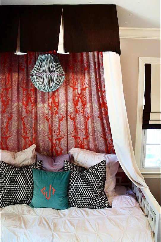 To get the look at home, check out The Hunted Interior's impressive canopy-bed DIY. Isn't it gorgeous?