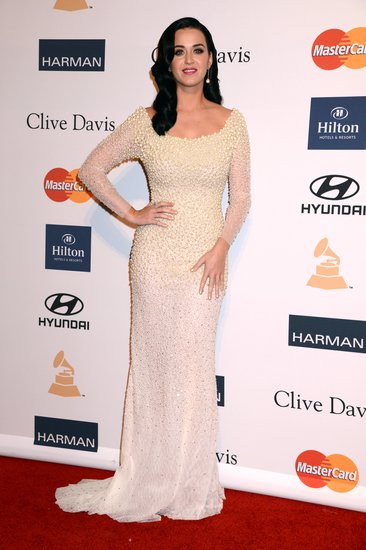 Katy Perry was the epitome of Old Hollywood glamour in a beaded Rafael Cennamo gown, Charlotte Olympia heels, and retro waves.