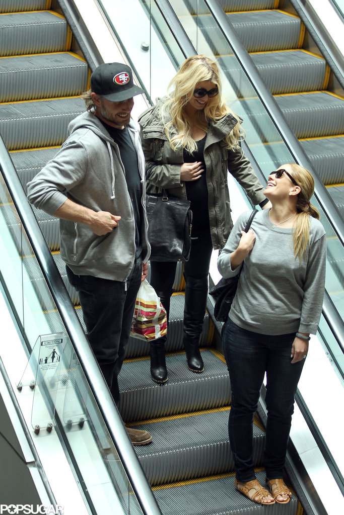 Pregnant Jessica Simpson had lunch at The Cheesecake Factory with fiancé Eric Johnson and pregnant pal CaCee Cobb.
