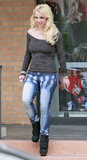 Britney Spears Skips the Grammys For a Salon Stop