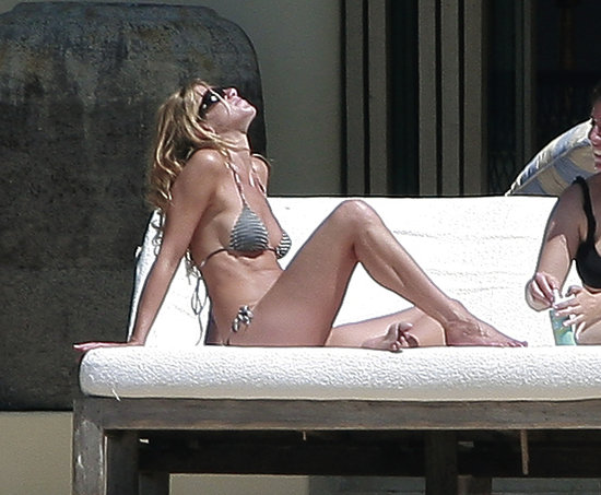 Jennifer Aniston headed back to a Cabo beach in September of 2007.