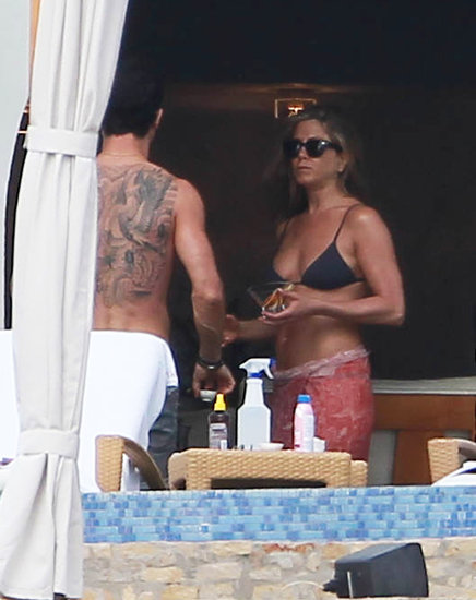 Jennifer Aniston chatted with Justin Theroux during a Cabo vacation in January.