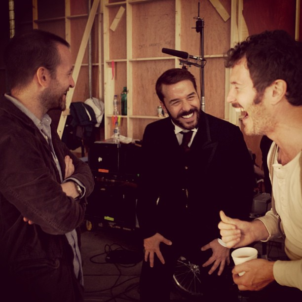 Jeremy Piven had a laugh with friends on set.  Source: Instagram user howulivinjpiven