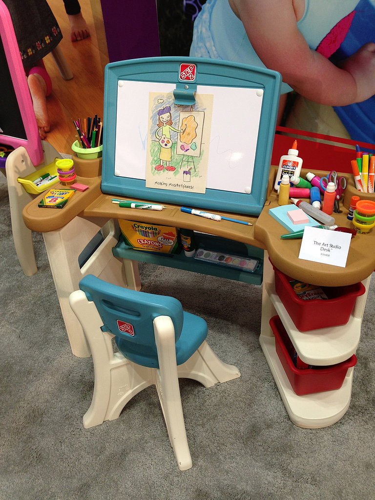 An amazing desk for creative little minds from Step2.