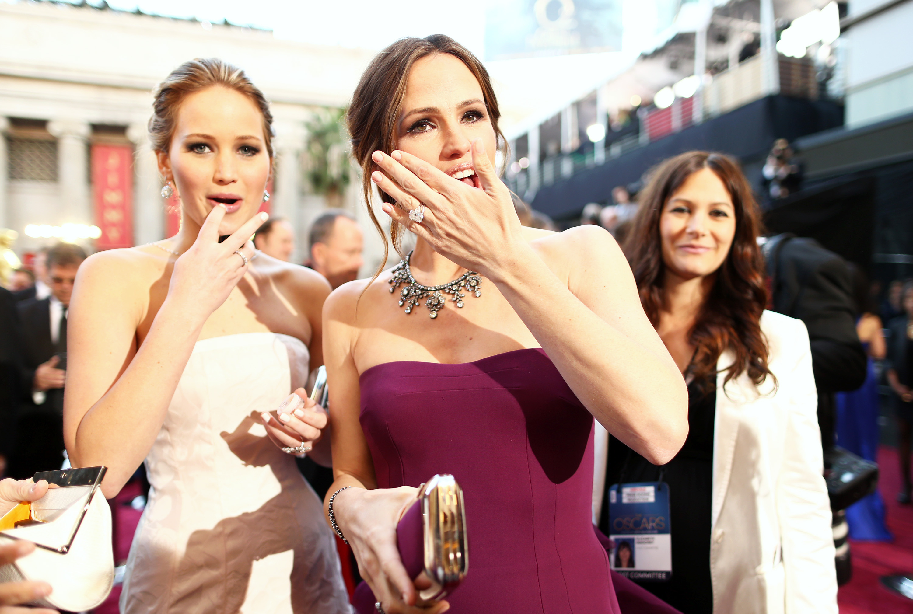 Jennifer Lawrence and Jennifer Garner had a candid moment.