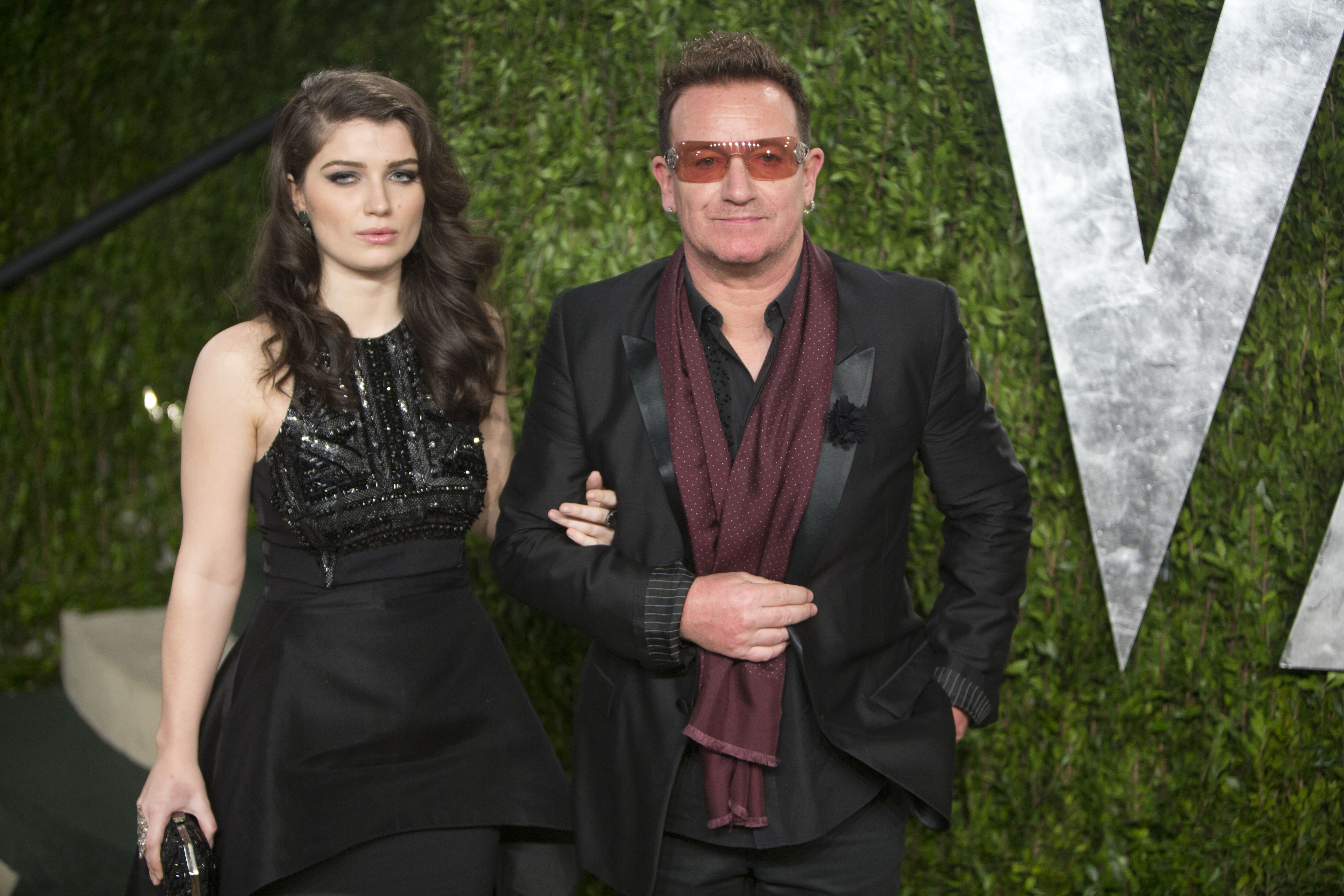 Bono and his daughter arrived at the Vanity Fair Oscar party on Sunday night.