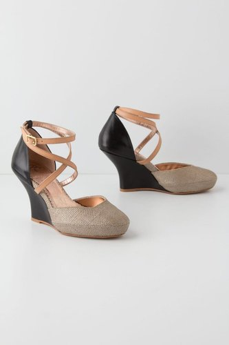 Nakia Wedges