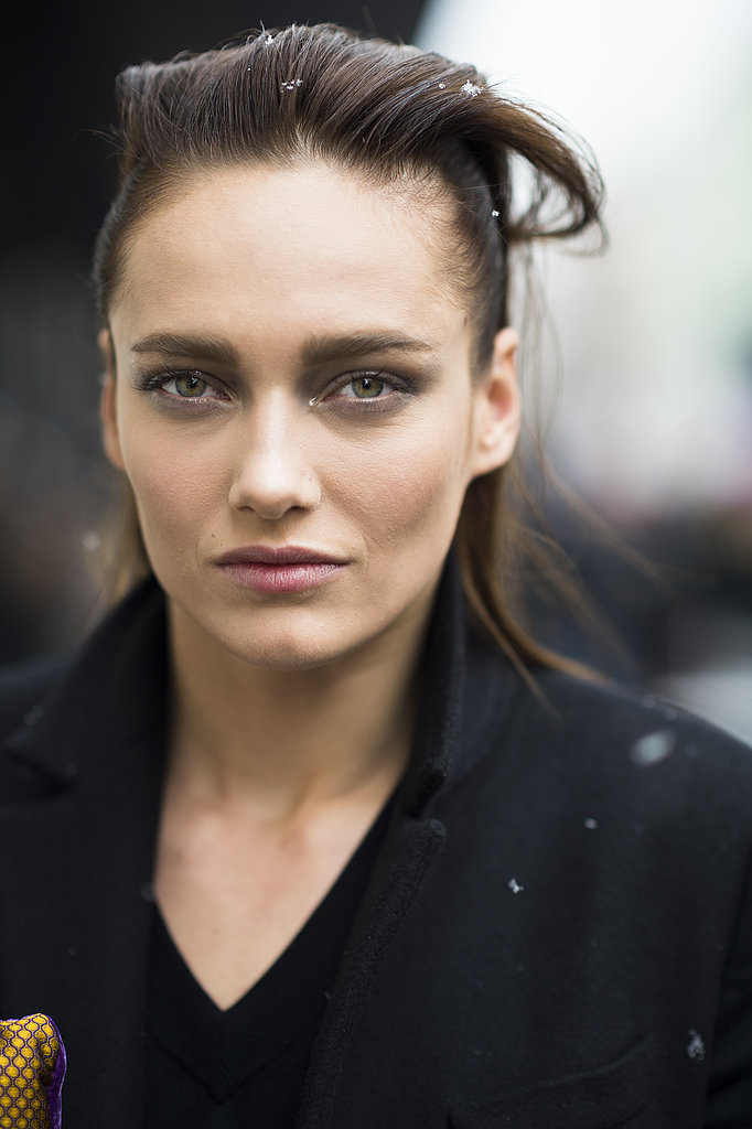 The same style looks distinctly different on model Karmen Pedaru. Source: Le 21ème | Adam Katz Sinding