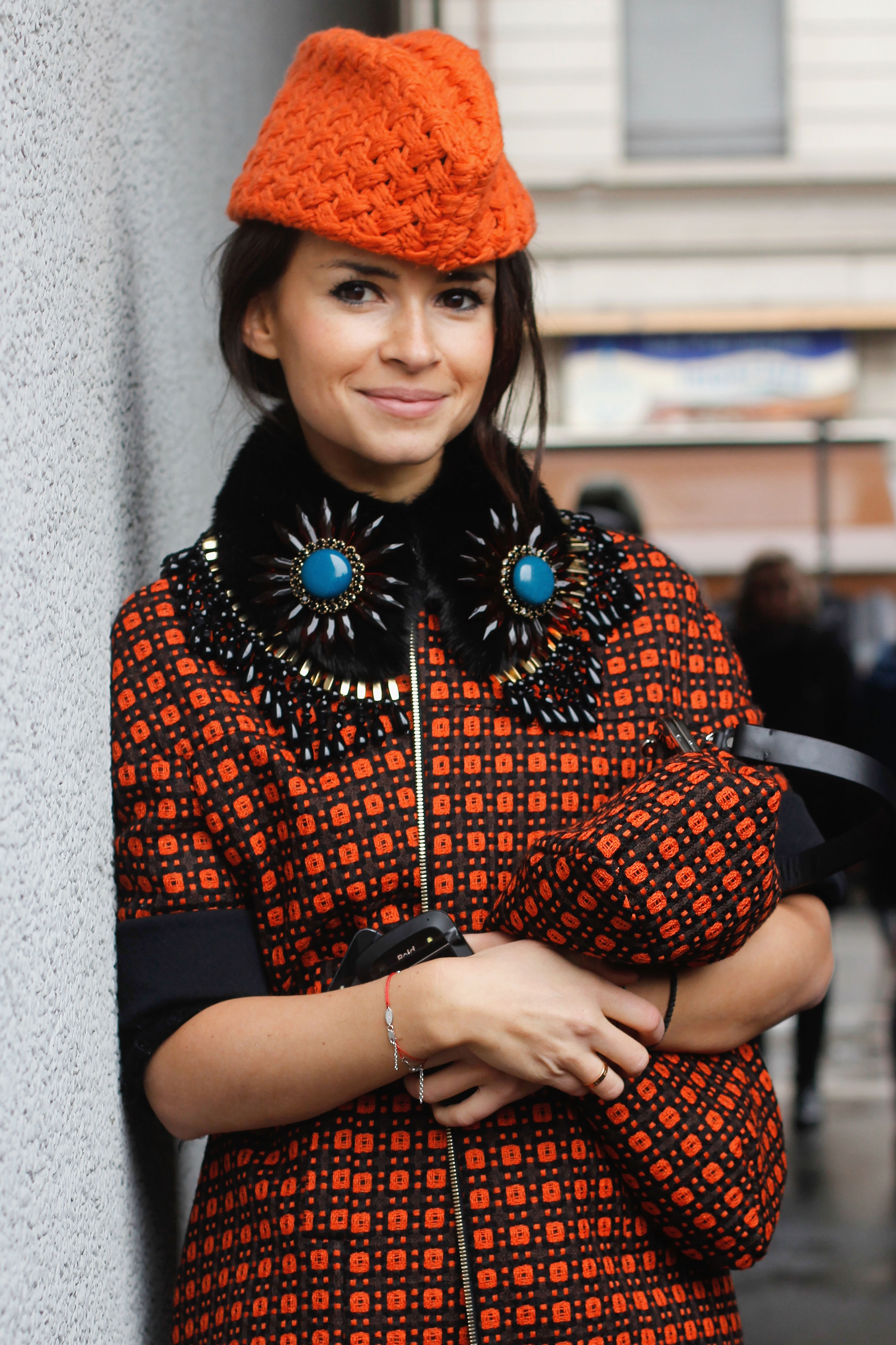 Miroslava Duma lined her eyes in black to add some drama to this neutral makeup look.