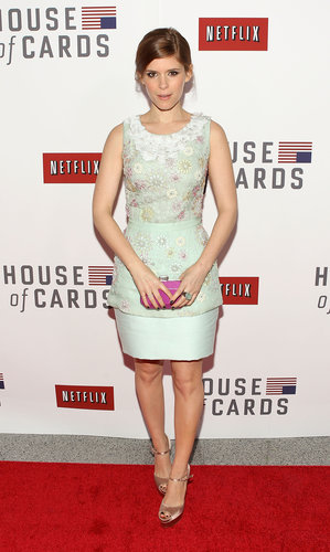 At the House of Cards screening in Washington D.C., Kate Mara looked feminine in a seafoam floral Peter Som dress and a purple Judith Leiber clutch.