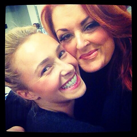 Hayden Panettiere and Wynonna Judd got close for a friendly photo.  Source: Twitter user haydenpanettier