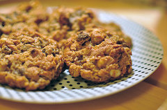 Oatmeal Cookies With a Peanut Butter and Chocolate Twist