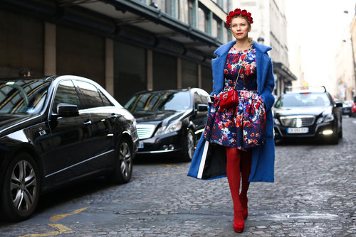 This attendee ruled the Paris streets in full-on florals.