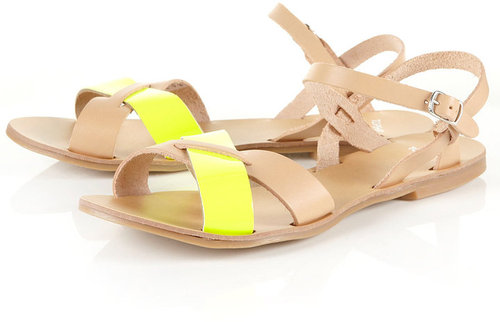 HUNT Cross-over Fluro Sandals