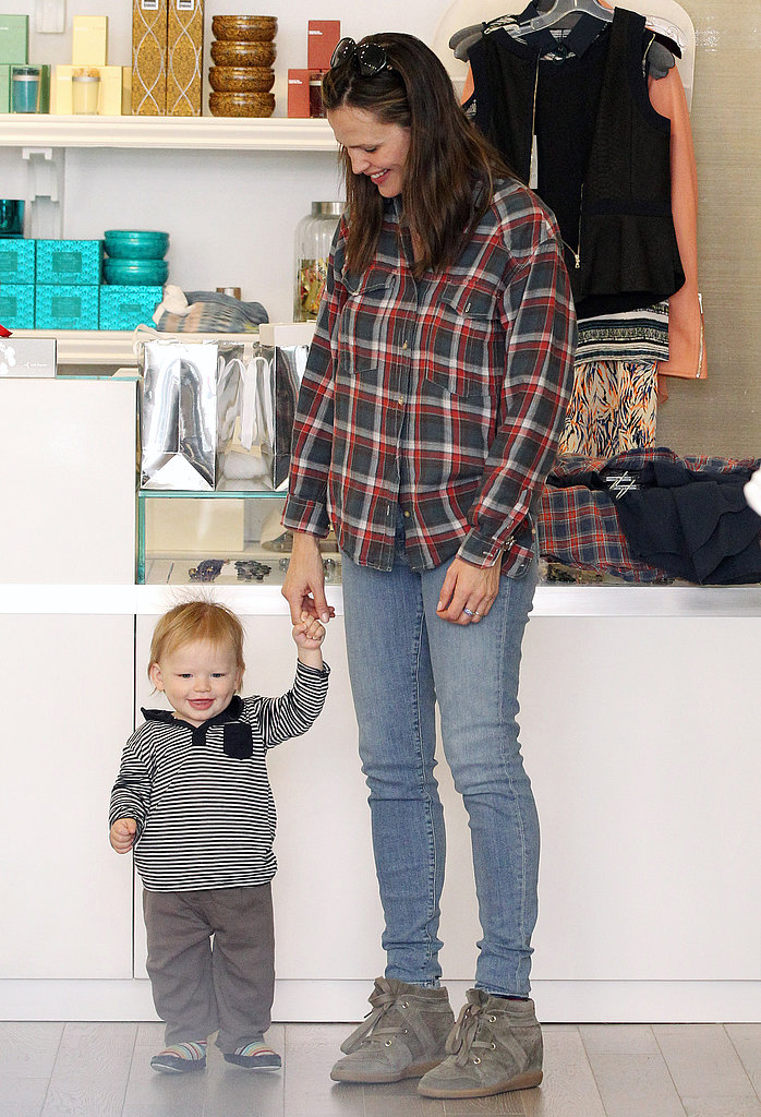 Jennifer Garner shopped with Samuel, who has started walking, in LA.