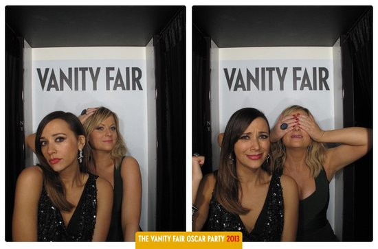 Rashida Jones and Amy Poehler posed in Vanity Fair's Oscars party photo booth.