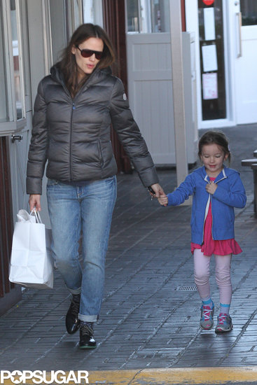 Jennifer Garner and Seraphina Affleck ran an errand.