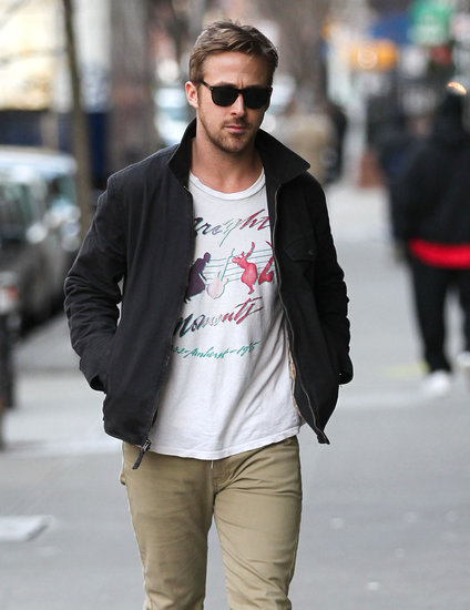 Ryan Gosling wore a printed t-shirt.