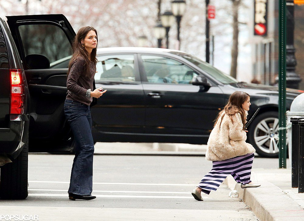 Katie Holmes walked with Suri Cruise.