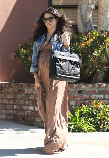 Jenna Dewan toted a black bag while walking in LA.