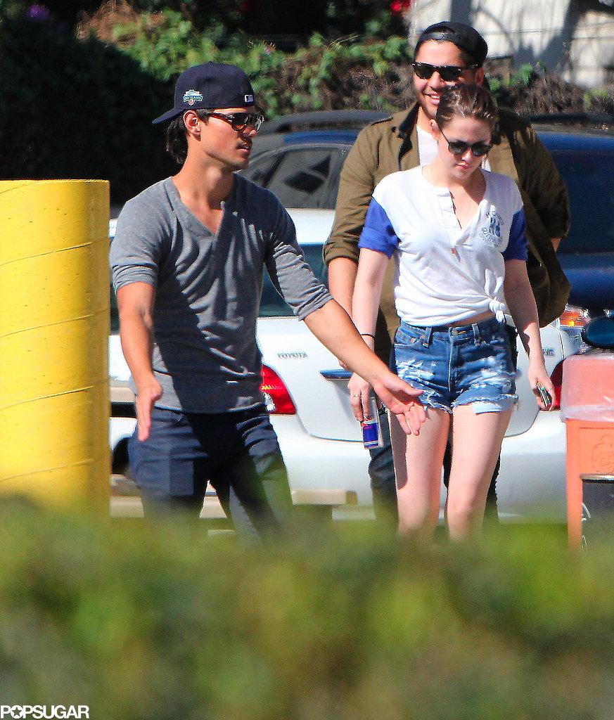 Kristen Stewart Goes Up to Bat With Taylor Lautner