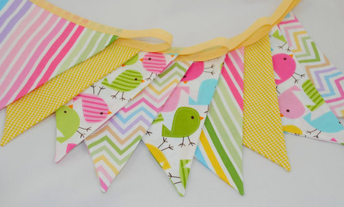Beautiful Thinking UK Spring Chicks Party Bunting