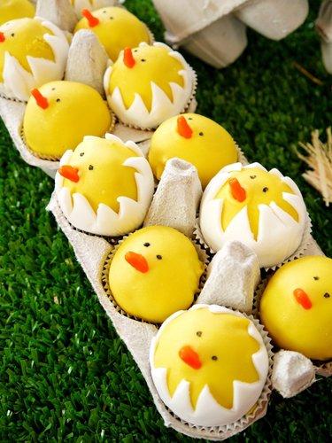Hatching Chicks Cake Pops