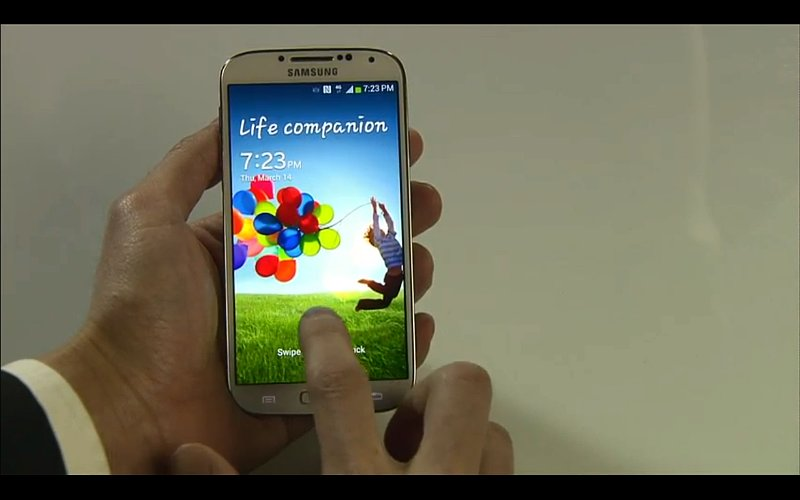 That's 441 pixels per inch on the Samsung Galaxy S4's screen!