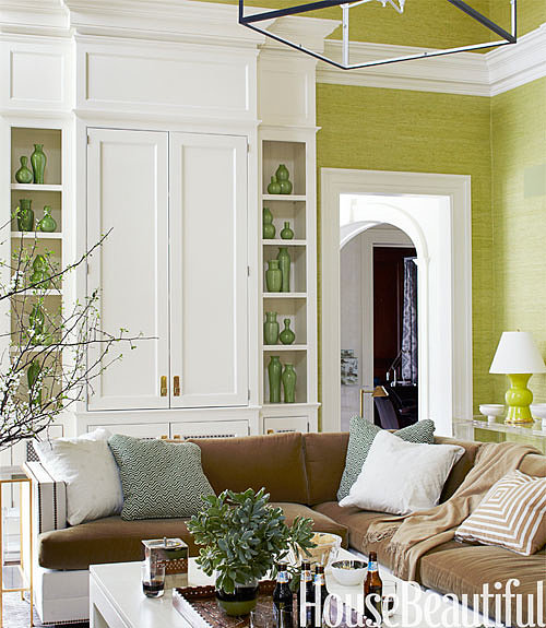 Opting for green grass cloth on the walls is an effortless way to bring the outdoors inside.  Source: Maura McEvoy for House Beautiful