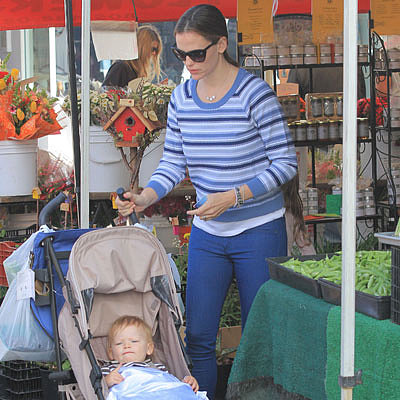 Jennifer Garner and Ben Affleck at the Farmers Market