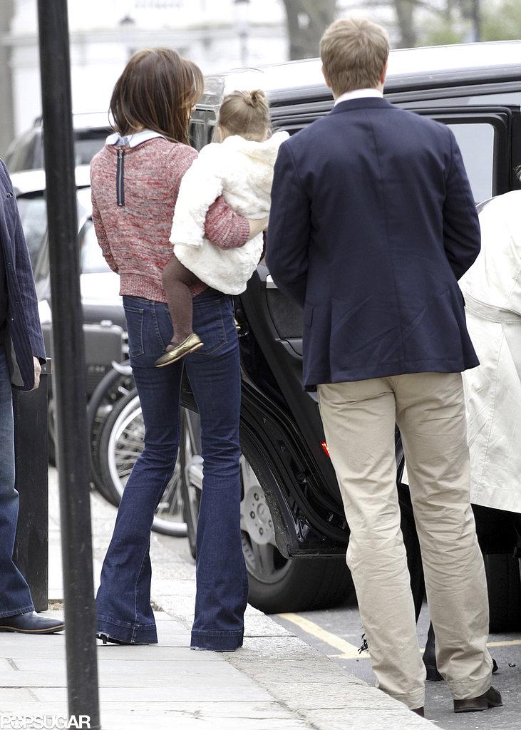 Victoria Beckham got into a car with Harper.