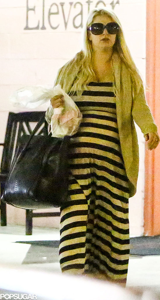 Jessica Simpson showed off her growing baby bump.