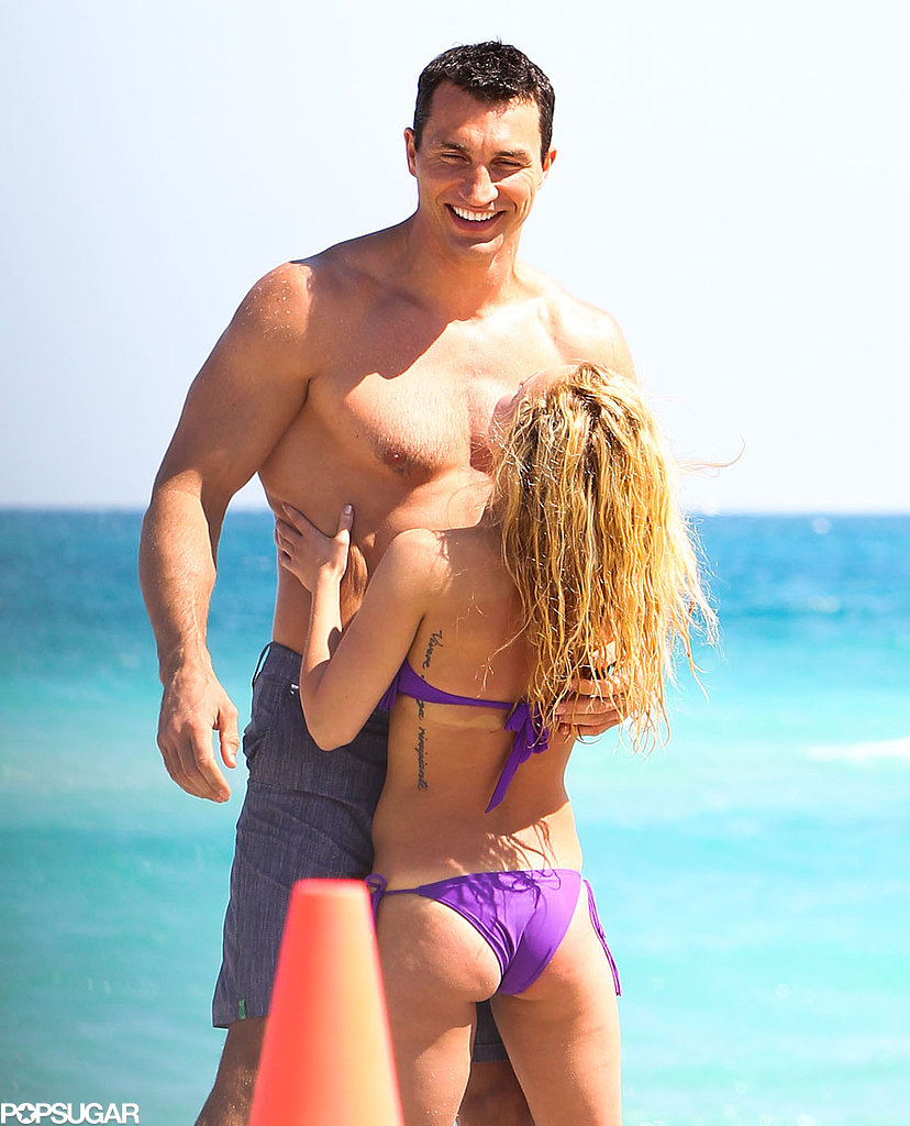 Hayden Panettiere showed love with her boyfriend in Miami.