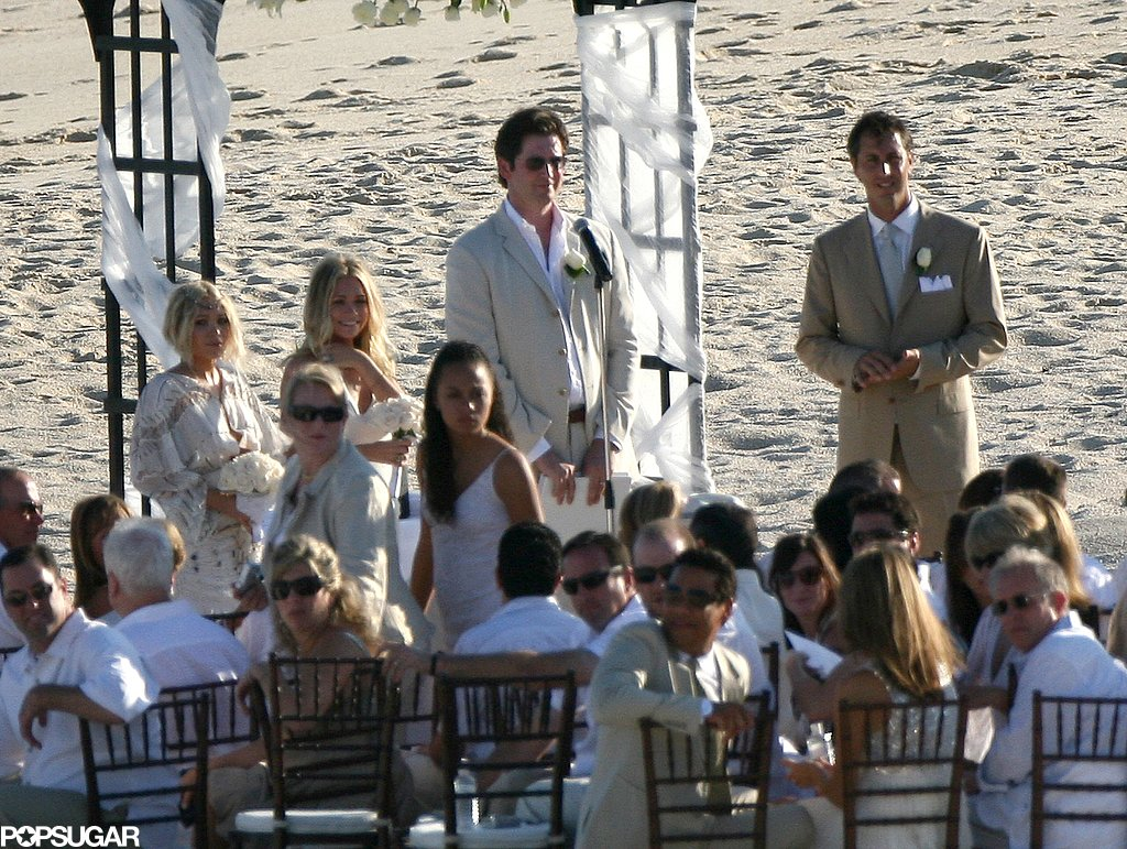 In November 2007, Mary-Kate Olsen and Ashley Olsen both donned white as bridesmaids for a friend's beach wedding in Cabo.