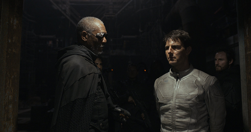 Morgan Freeman and Tom Cruise in Oblivion.