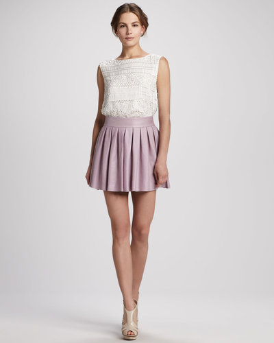 Alice + Olivia Short Box-Pleat Leather Skirt