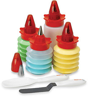 Betty Crocker 11-Piece Decorating Set
