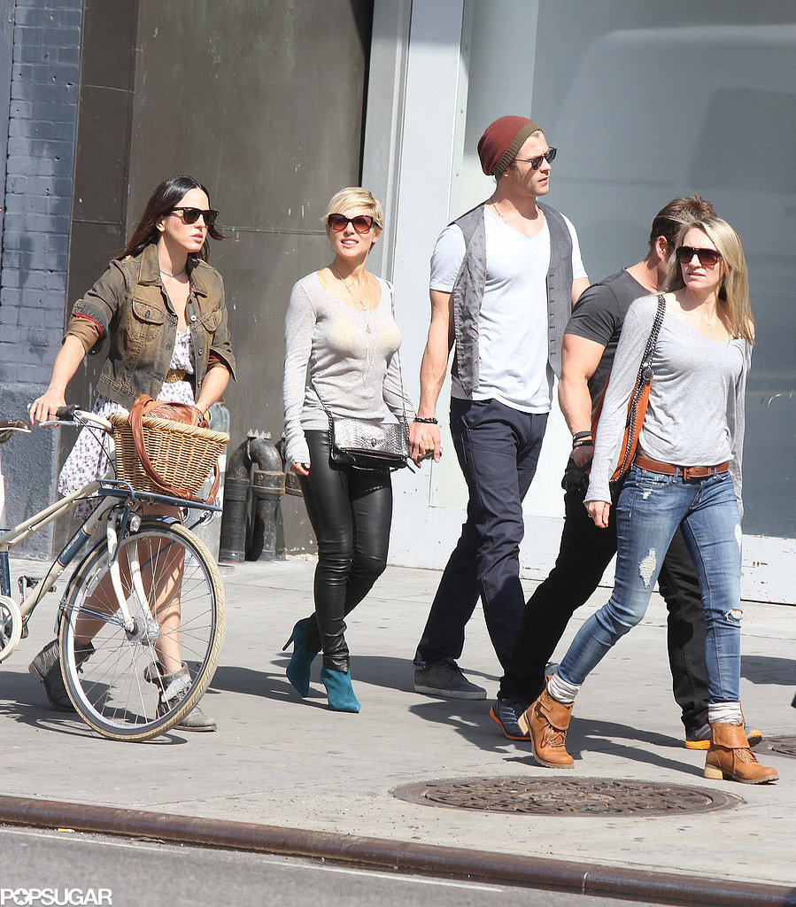Chris Hemsworth and Elsa Pataky walked with his brother Luke and friends.