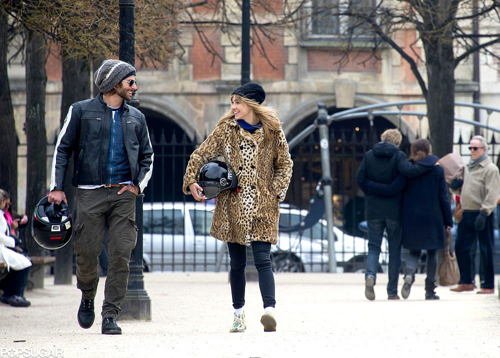 Bradley Cooper and Suki Waterhouse Show PDA in ParisBradley Cooper And Suki Waterhouse Pda