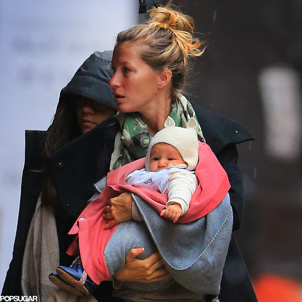 Gisele Bündchen carried Vivian in NYC.