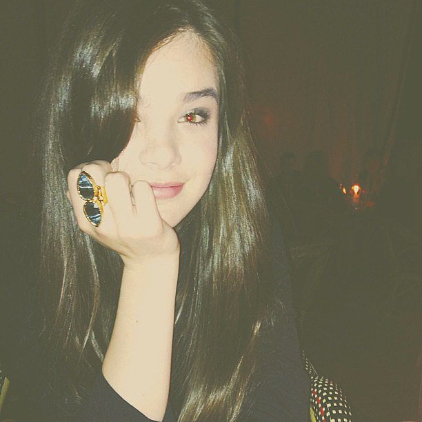 Hailee Steinfeld showed off a new piece of jewelry — an oversize cocktail ring by SL Designs. Source: Instagram user haileesteinfeld