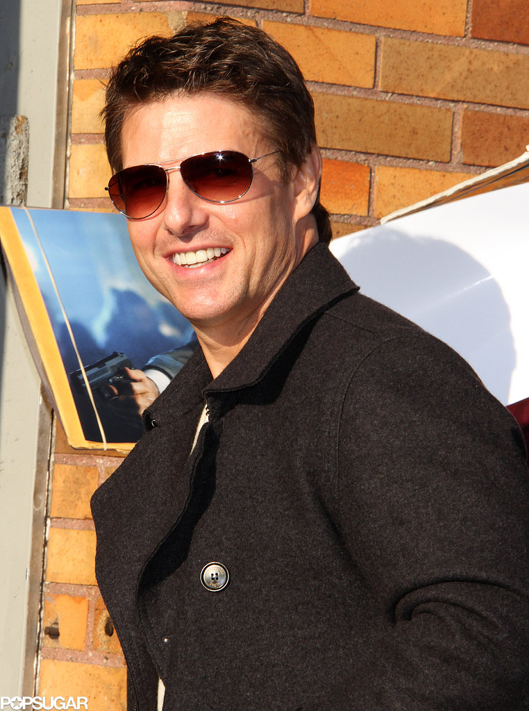 Tom Cruise Squeezes in a Backstage Reunion With Cuba Gooding Jr.