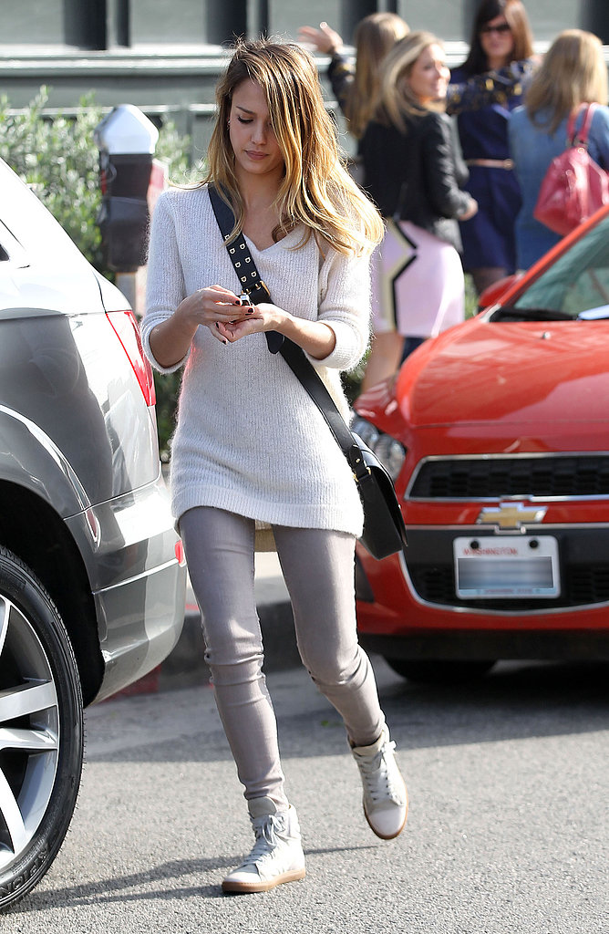 Even while running errands in LA's Brentwood, Jessica's Cali-cool style evokes serious style envy.