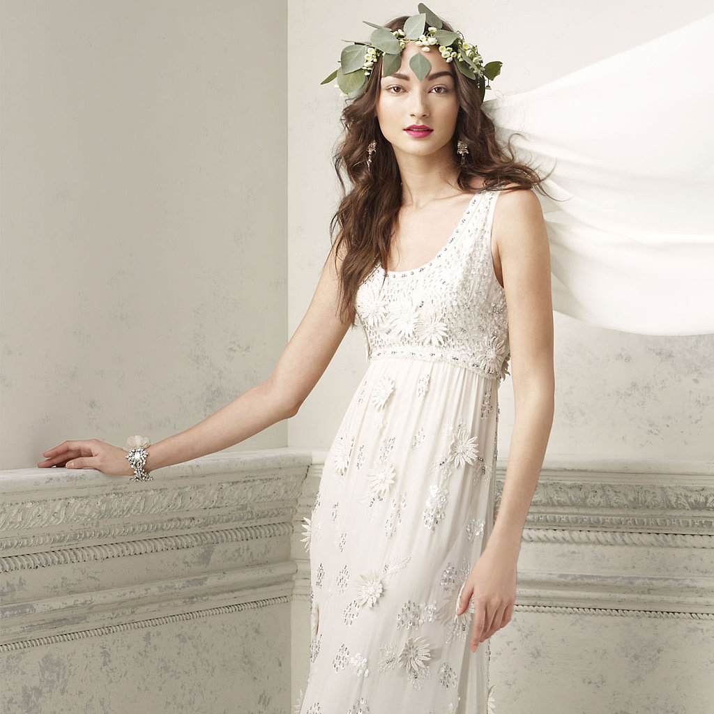19 Chic Wedding Gowns Ready to Be Worn Right Off the Rack