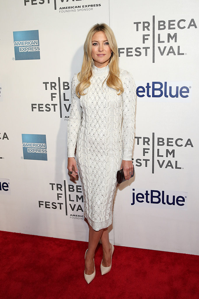 At the Reluctant Fundamentalist premiere at the Tribeca Film Festival in NYC, Kate Hudson created a monochromatic ensemble in a white Jenny Packham knit sweater dress and off-white Casadei pumps.